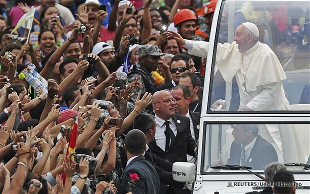 Paus Franciscus op bezoek in Rio de Janeiro