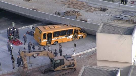 Het ingestorte viaduct in Belo Horizonte