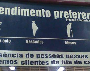 In Brazilië krijgen ouderen voorrang in de rij.
