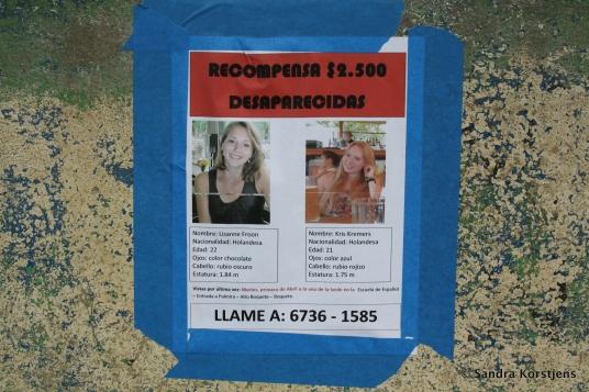 Poster met de vermiste Lisanne Froon en Kris Kremers.