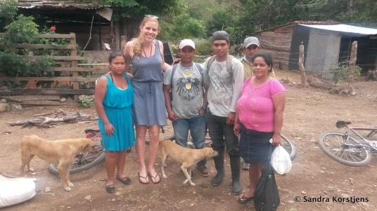 Op de foto met Dora en haar familie
